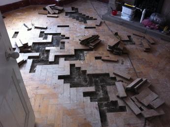 Демонтаж старого паркета в Донецке